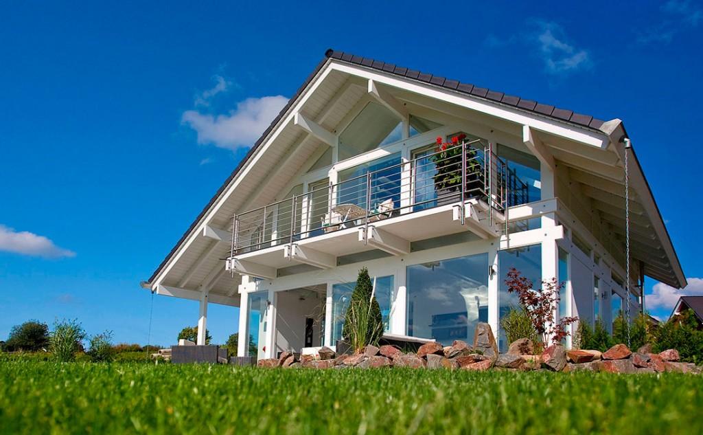 Materiali e prestazioni case legno vetro flock haus for Case di vetro di lusso