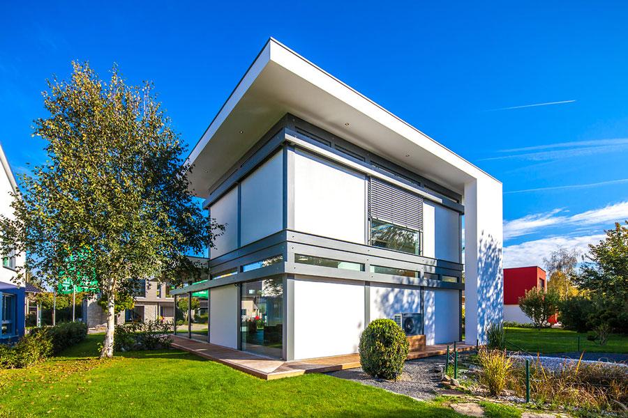 Casa in legno e vetro di design flock haus switzerland for Haus case in legno